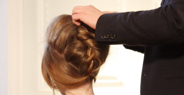 girl hair bun